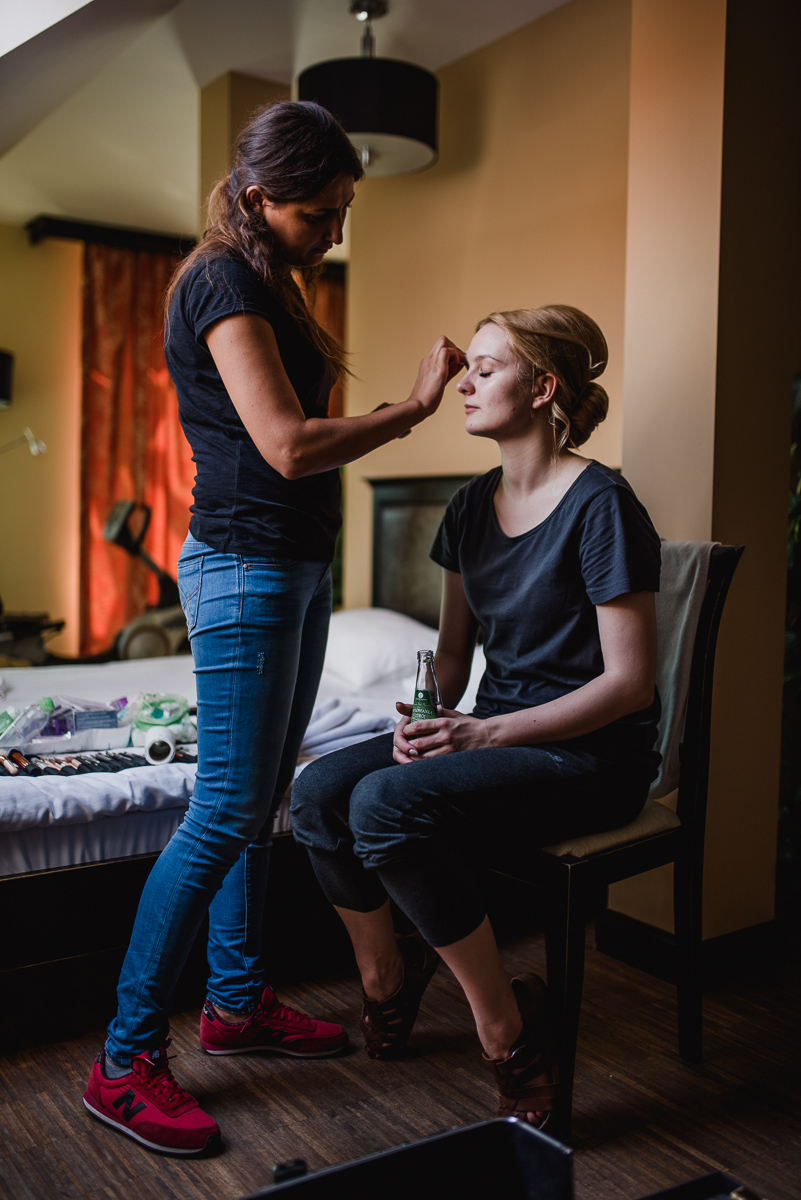 przygotowania do ślubu panna młoda makijaż