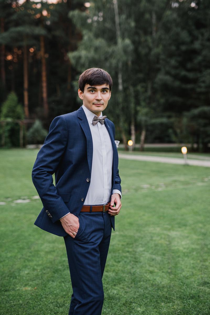 plener w dniu ślubu - pan młody maranello otwock