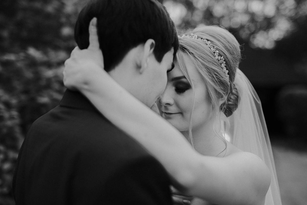 panna młoda plener w dniu ślubu maranello otwock