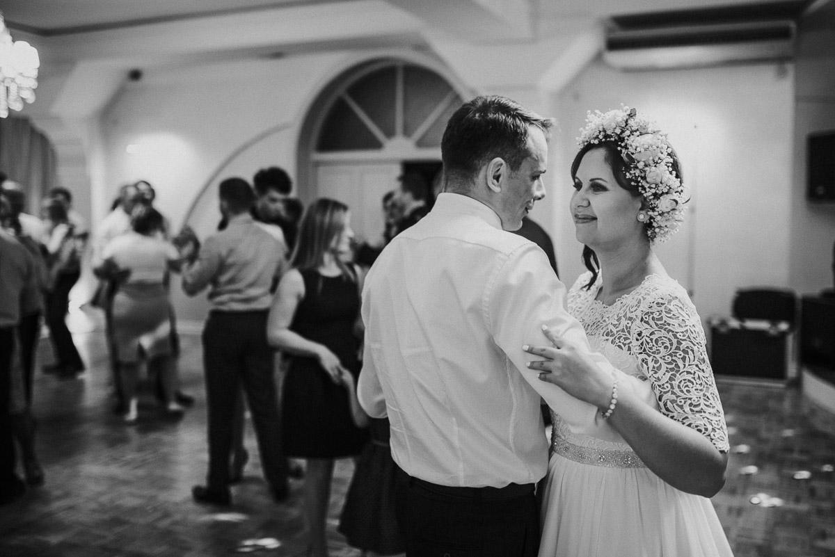 slub-wesele-106-panna-młoda-taniec-zdjęcie