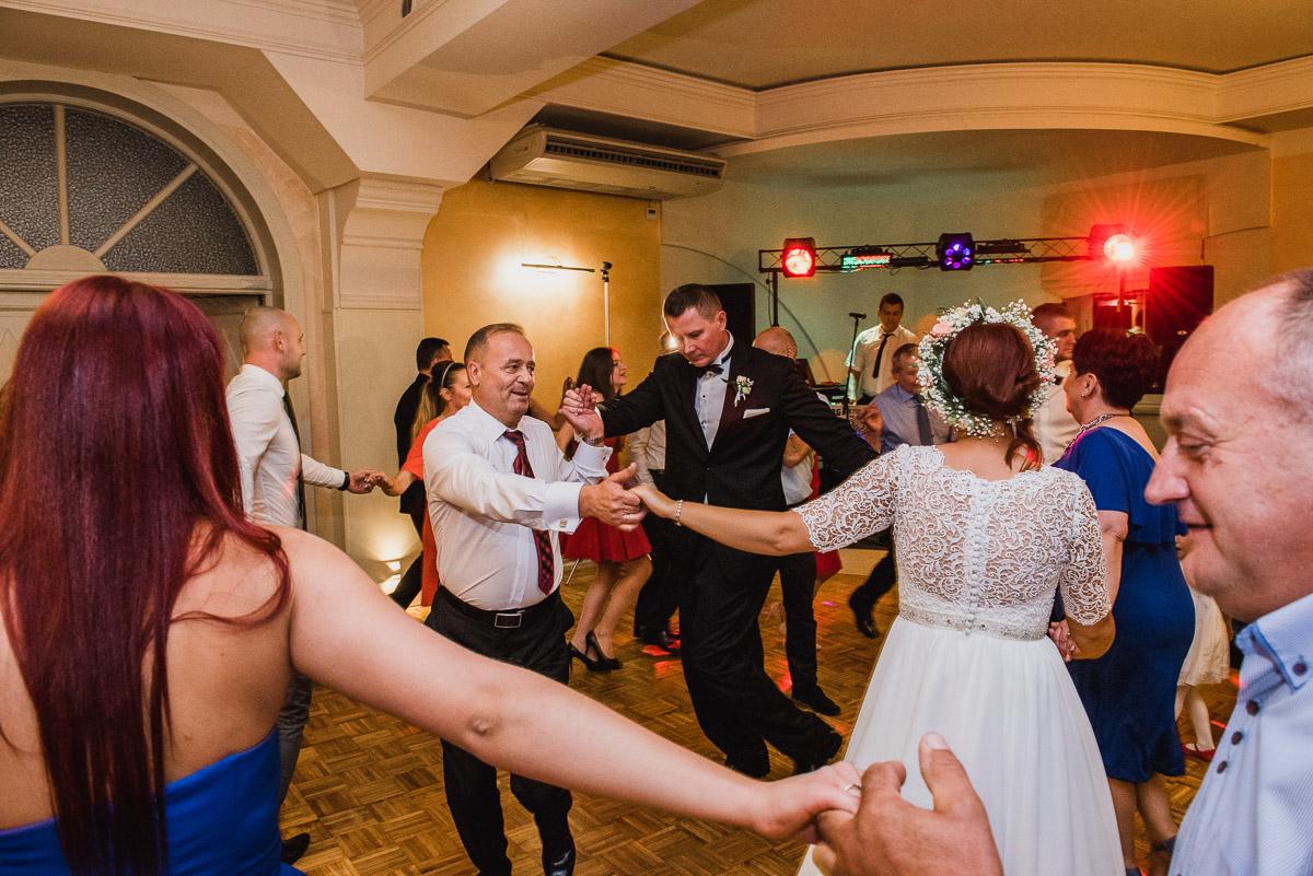 slub-wesele-107-goście-zabawa