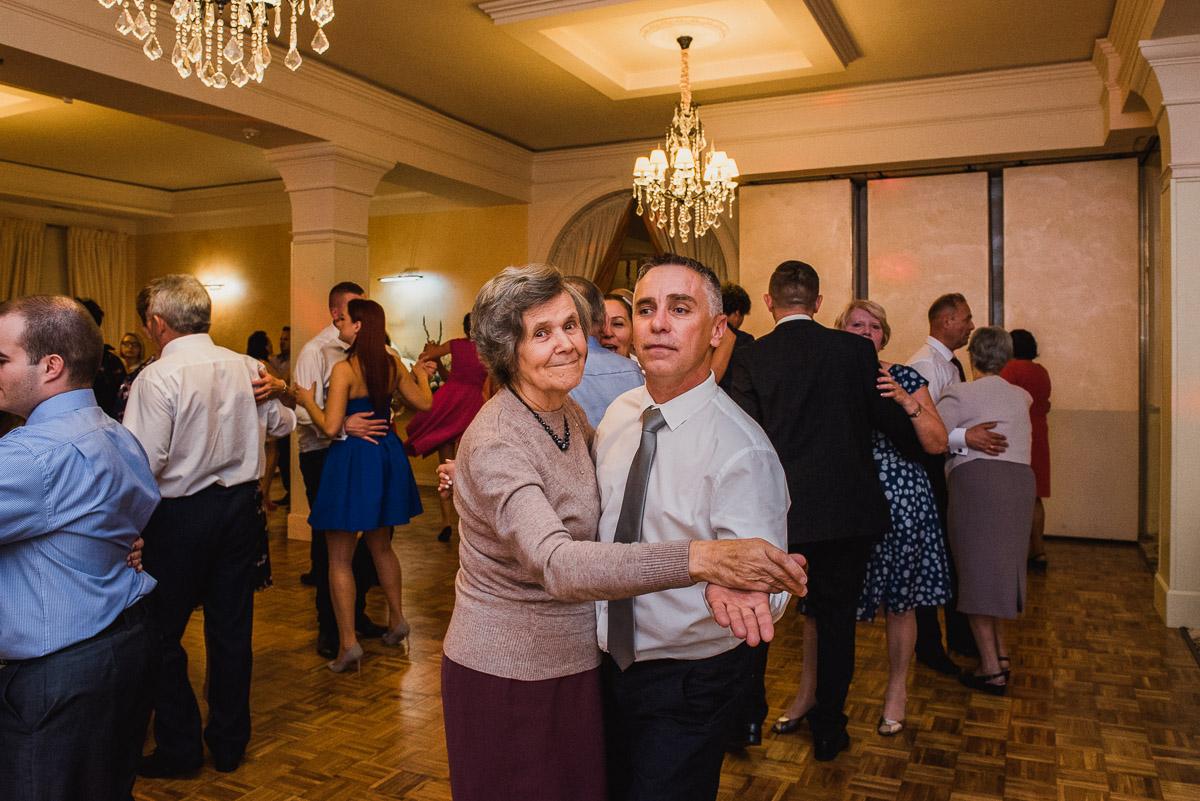 slub-wesele-123-goście-taniec-fotografia