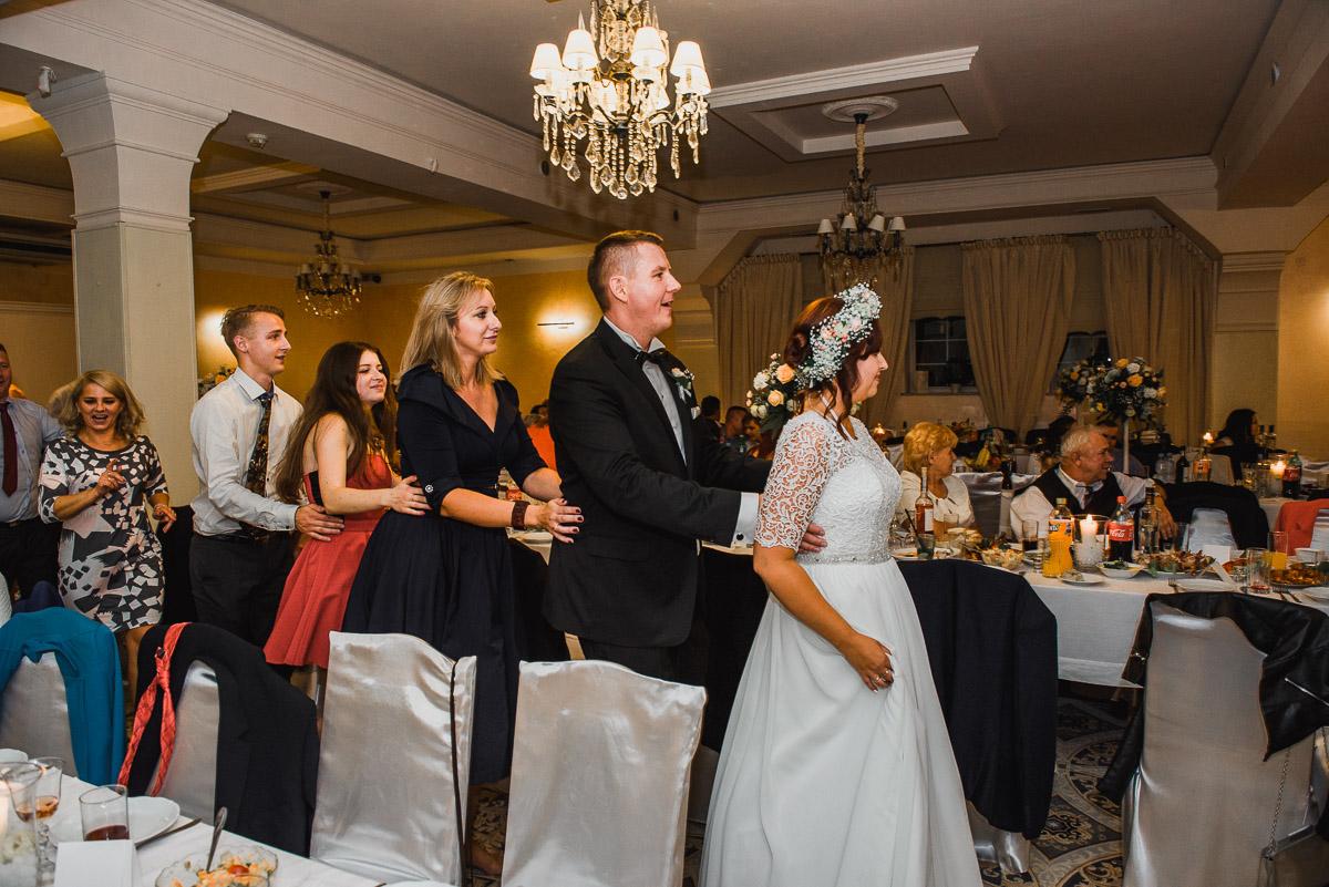 slub-wesele-138-taniec-goście-zabawa-zdjęcia