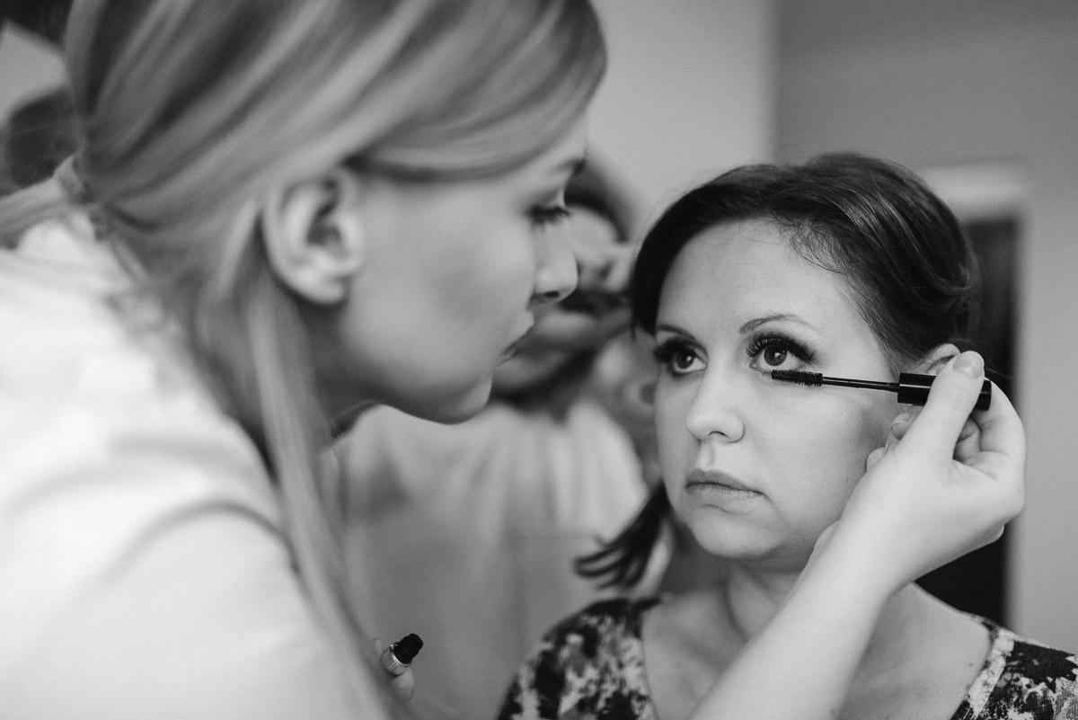 slub-wesele-9-makijaż-panna-młoda-reportaż