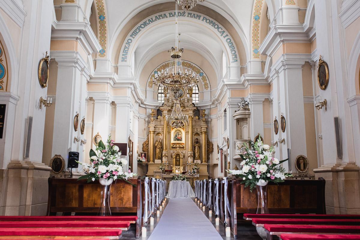 slub-wesele-32-kościół-góra-kalwaria-zdjęcie
