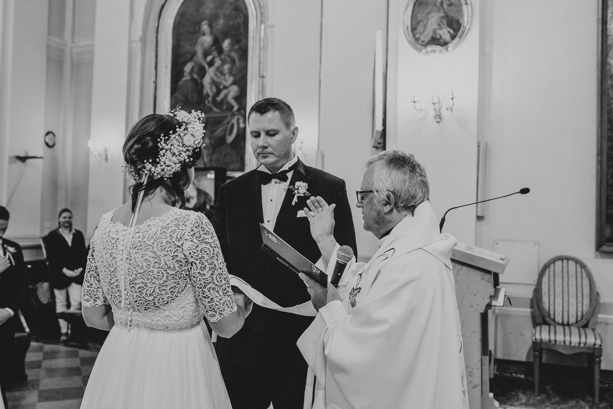 slub-wesele-57-przysięga-para-młoda-kościół