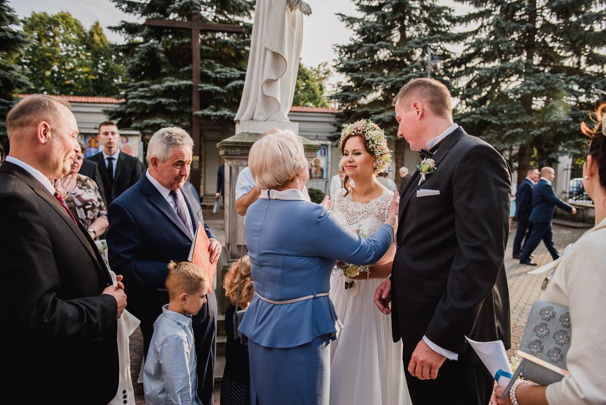 slub-wesele-76-para-młoda-życzenia-fotografie