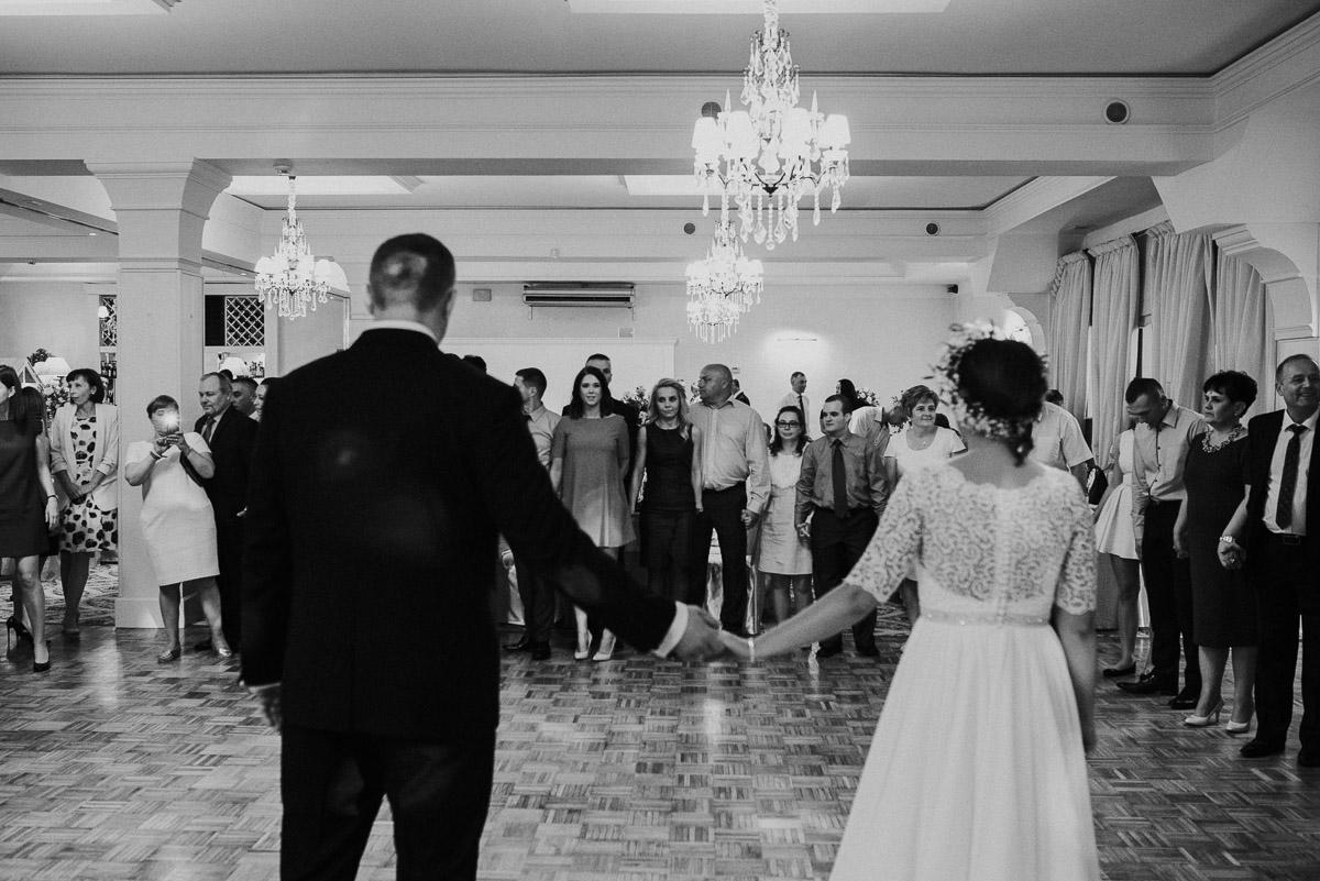 slub-wesele-93-pierwszy-taniec-fotografia