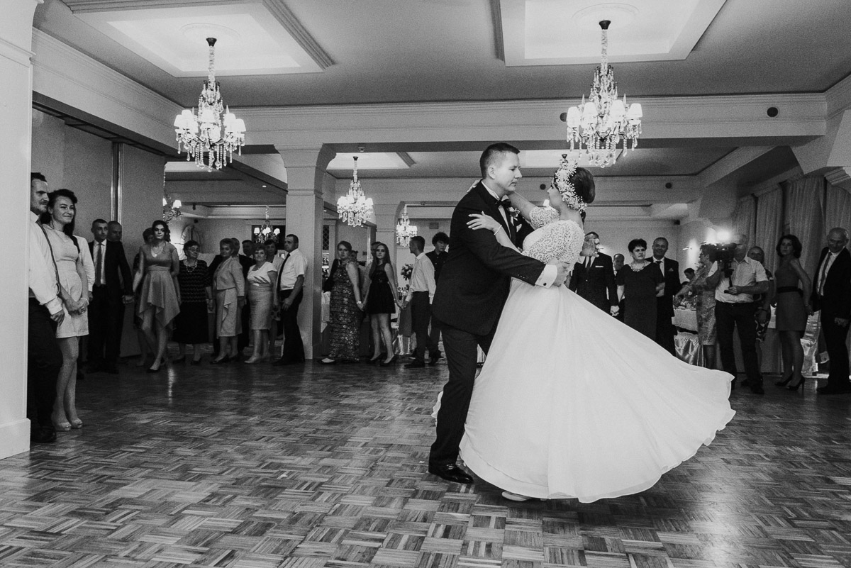 slub-wesele-95-pierwszy-taniec-fotografia